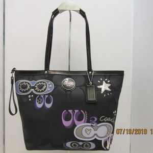 Coach Rare black sig applique tote & bonus wallet